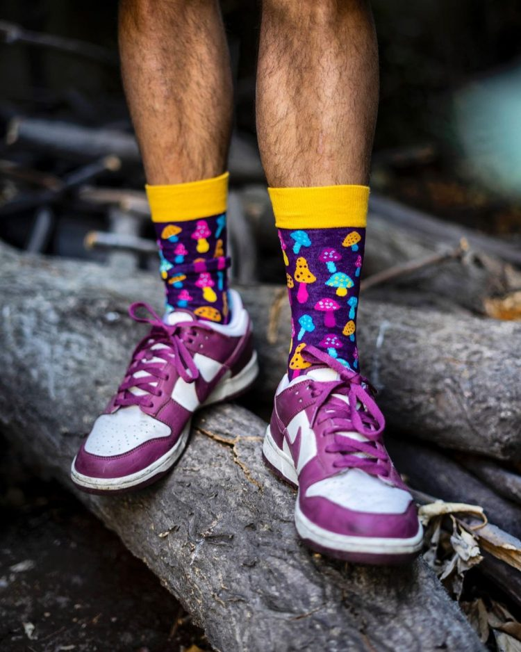 Medias locas calcetines divertidos Freaky Socks diseño hongos MS175